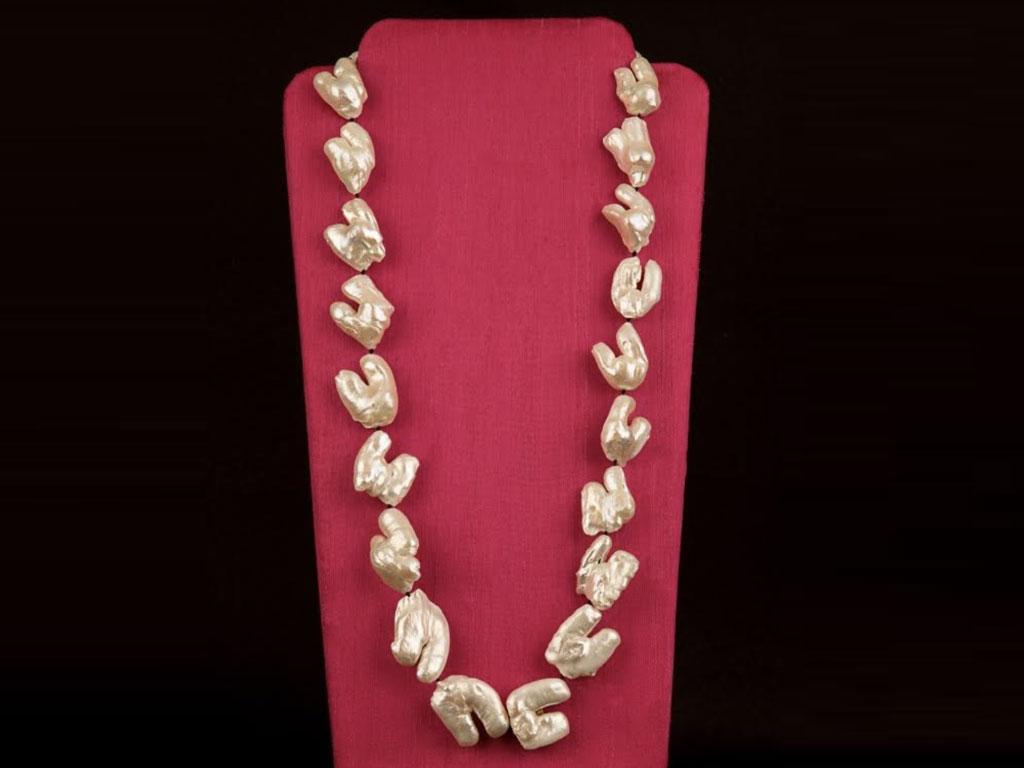 Minnie Menon - Long Necklace